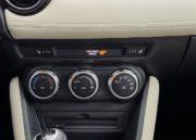Mazda 2, elegancia urbana 55