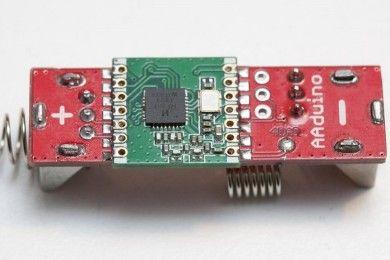 AAduino, un clon de Arduino del tamaño de una pila