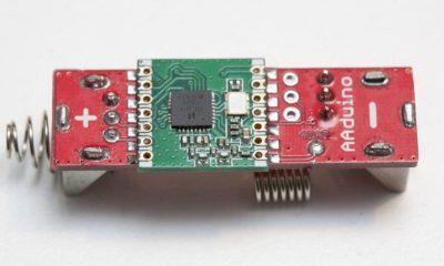 AAduino, un clon de Arduino del tamaño de una pila 55