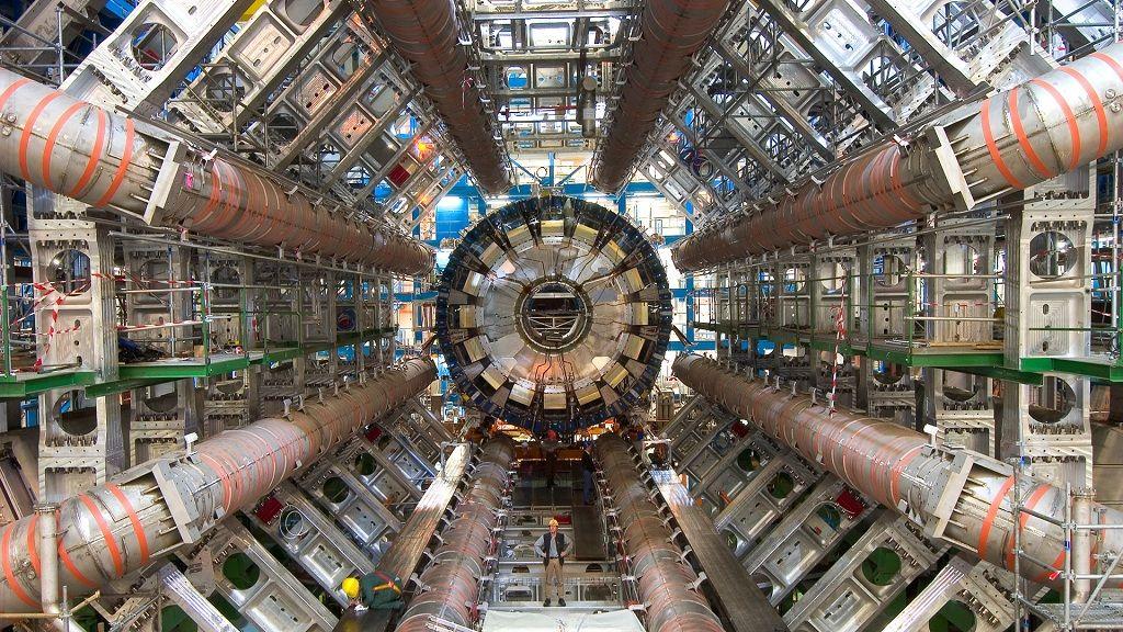 CERN libera 300 TB de datos sobre el Gran Colisionador de Hadrones 29