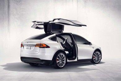 32 características alucinantes del nuevo Tesla Model X