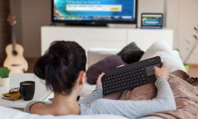 Logitech Wireless Touch Keyboard K400 Plus, teclado todoterreno 105