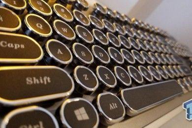 AZIO sorprende con un teclado inspirado en máquinas de escribir