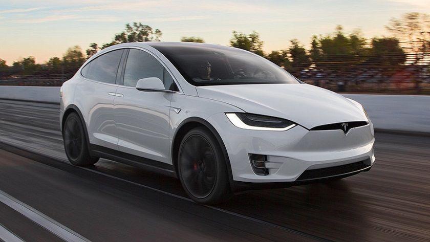 """Tesla presenta el nuevo Model X 60D, un modelo """"más económico"""" 30"""