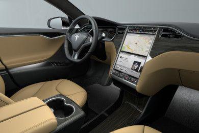 Tesla Model S P85D frente al McLaren 650S ¿cuál es más rápido?