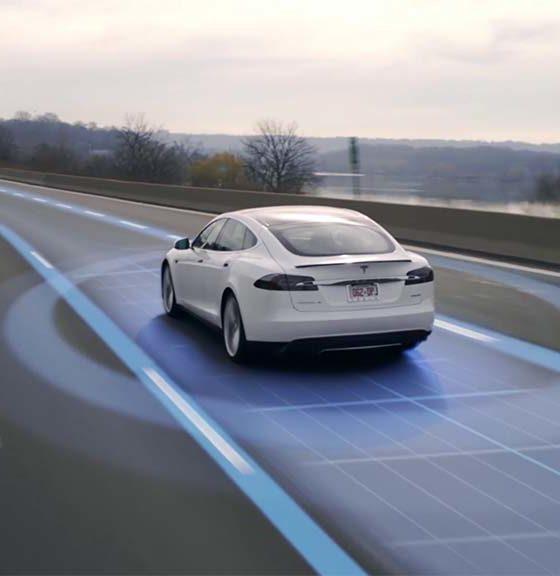 Conductor sufre un infarto y el piloto automático de Tesla le salva la vida 32