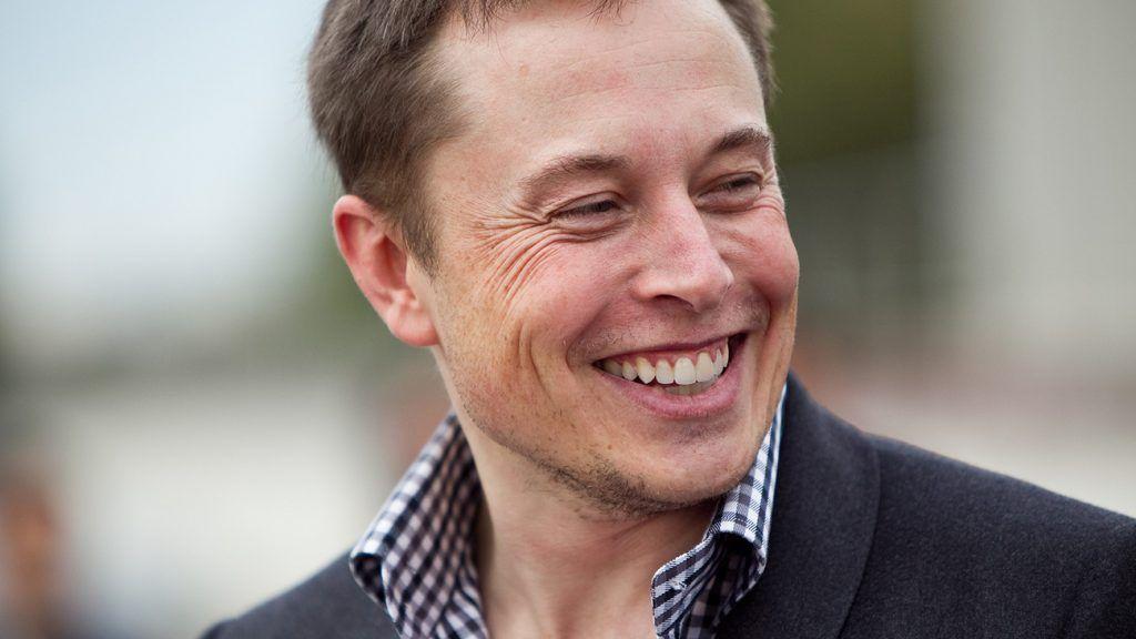 Intentan suplantar a Elon Musk para robar información sobre Tesla 30