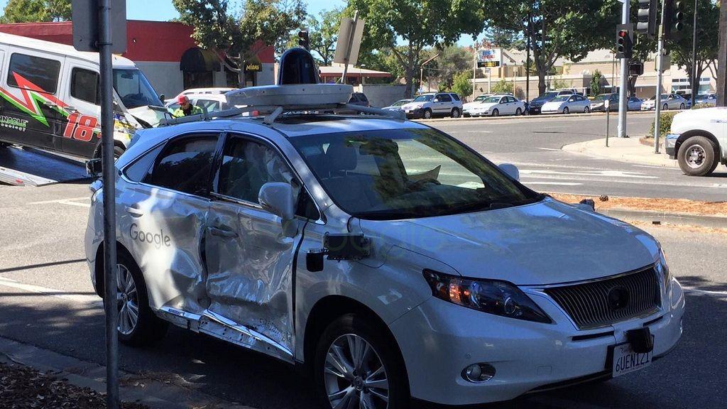 Coche autónomo de Google sufre accidente, pero no es el culpable 29