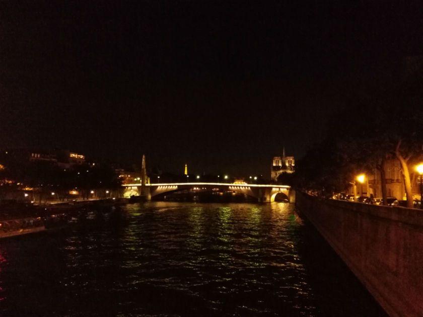 Ejemplo exterior de noche