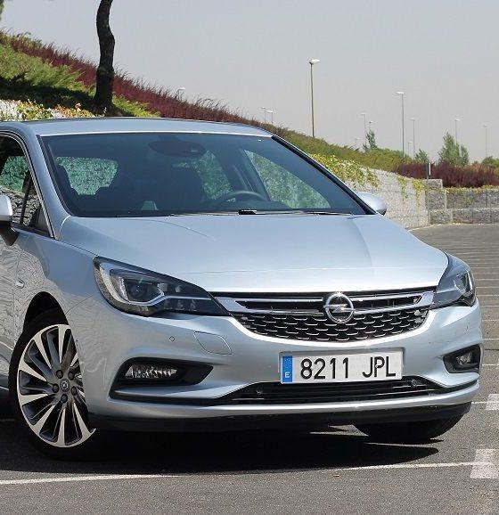 Opel Astra 2016 200 CV, divertirse en serio 32