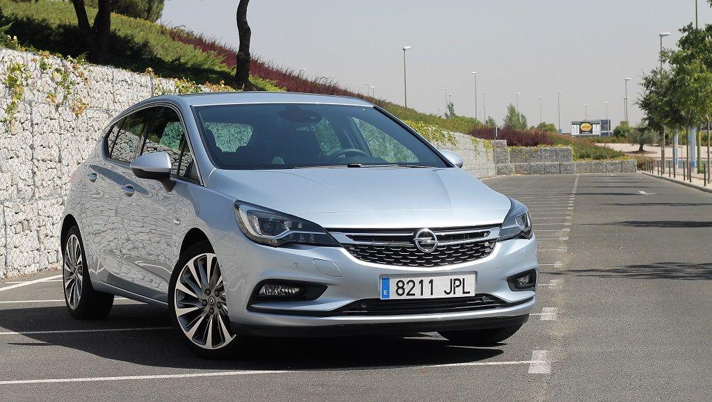 Opel Astra 2016 200 CV, divertirse en serio 30