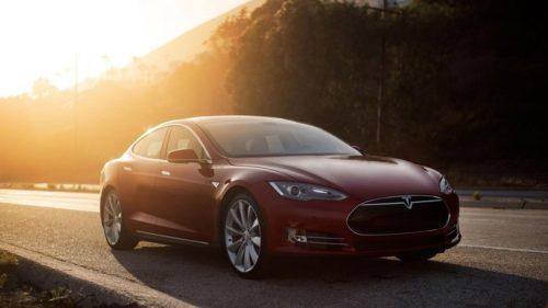 Hackean un Tesla a una distancia de casi veinte kilómetros