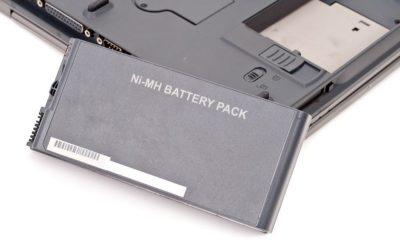 ¿Hay peligro si dejo mi portátil siempre conectado? 95