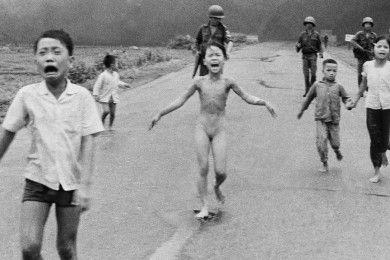 Facebook censura una foto icónica y monta un buen revuelo