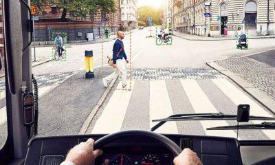 El autobús electrónico de Volvo pitará a los peatones imprudentes 44