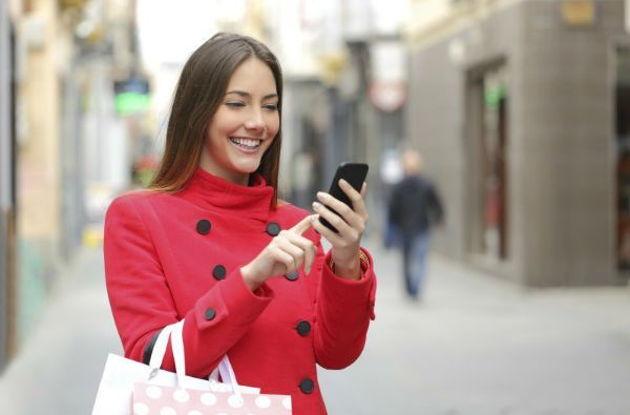Por primera vez se accede más a Internet por el móvil que por el ordenador