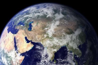 La humanidad tiene mil años para abandonar la Tierra, según Stephen Hawking
