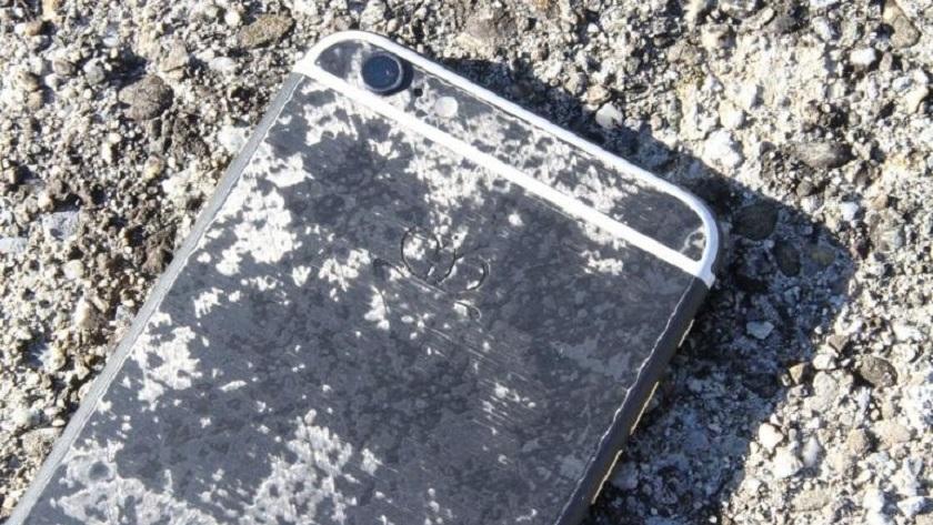 Golden Dreams presenta iPhone 7 acabado en fibra de carbono 31
