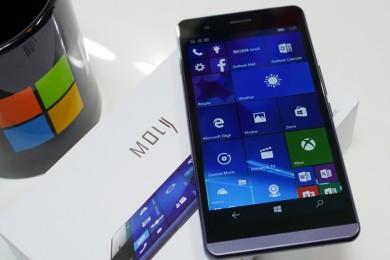 Moly X1, smartphone con Windows 10 Mobile que busca financiación