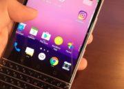 Imágenes de BlackBerry Mercury con teclado físico a la antigua usanza 32