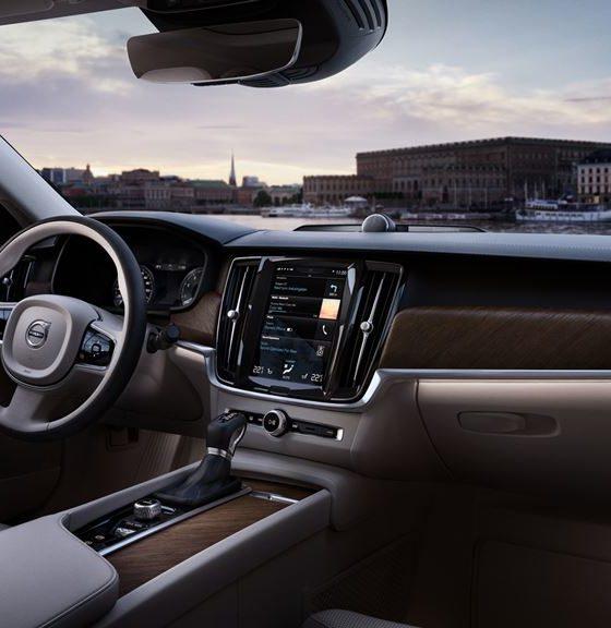 Volvo incorpora Skype for Business en su serie 90 31