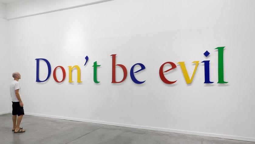 Extrabajador acusa a Google de fomentar el espionaje entre compañeros
