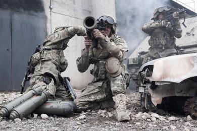 Investigadores trabajan en protecciones militares inteligentes
