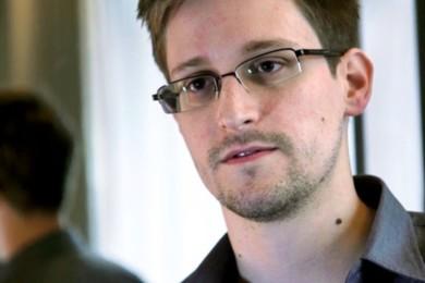 Snowden critica la nula preocupación de BlackBerry por la seguridad
