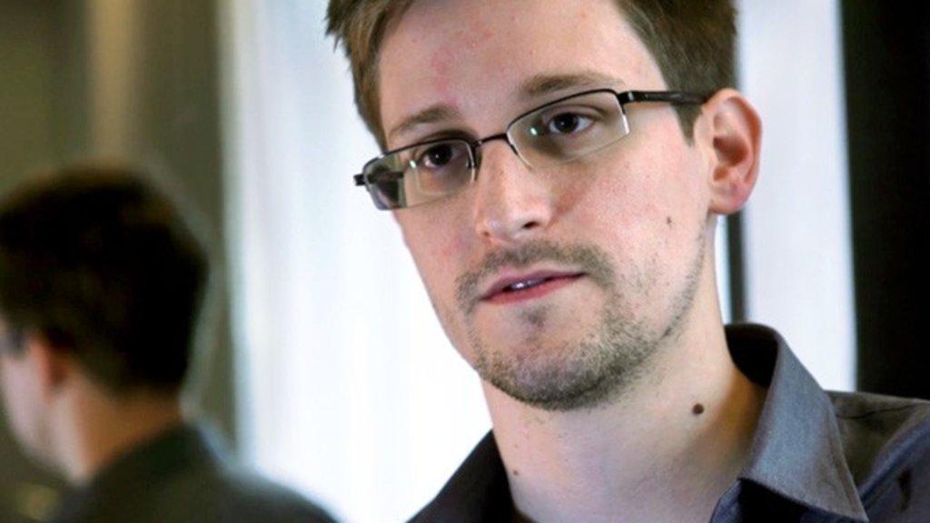 Snowden critica la nula preocupación de BlackBerry por la seguridad 28