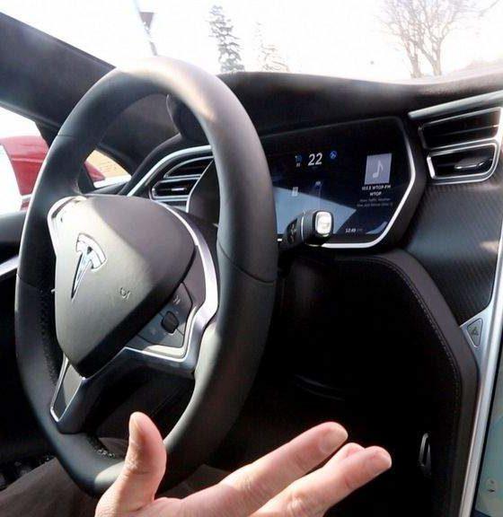La NHTSA concluye su investigación sobre el Autopilot de Tesla 31