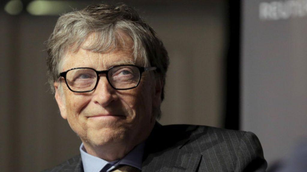 Bill Gates cree que los robots deberían pagar impuestos 30