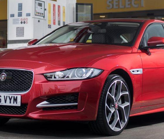 Pagar el combustible con tu coche, lo último de Jaguar 38