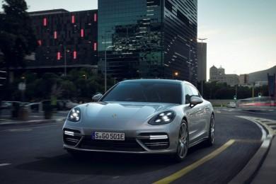 Nuevo Porsche Panamera con motor híbrido, 686 caballos de potencia