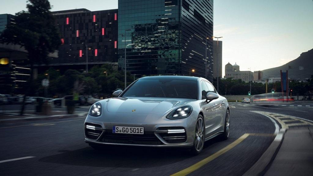 Nuevo Porsche Panamera con motor híbrido, 686 caballos de potencia 31