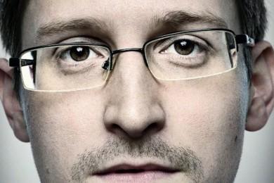 Rusia estaría barajando entregar a Snowden como regalo a Trump