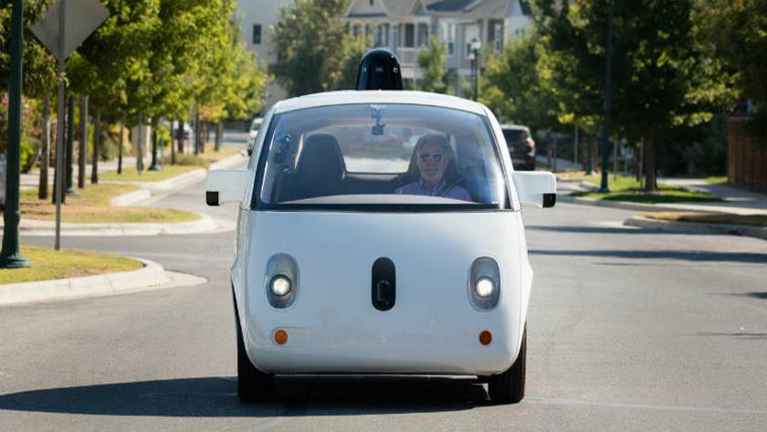 Los coches de Google aprenden rápido y cada vez son más seguros 35