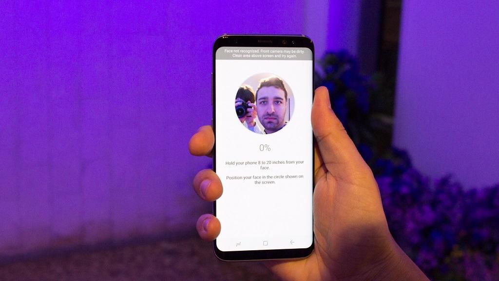 Engañan al reconocimiento facial del Galaxy S8 con una foto 30