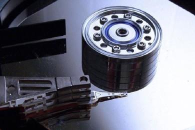 IBM logra almacenar datos en átomos invidualizados