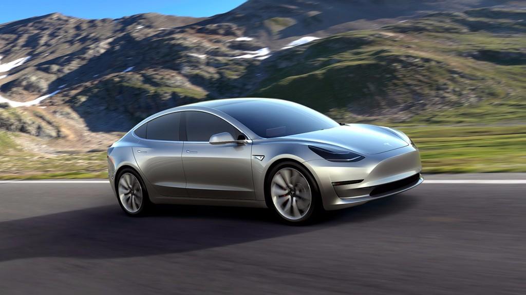 Avistado un Tesla Model 3 circulando por carretera 27
