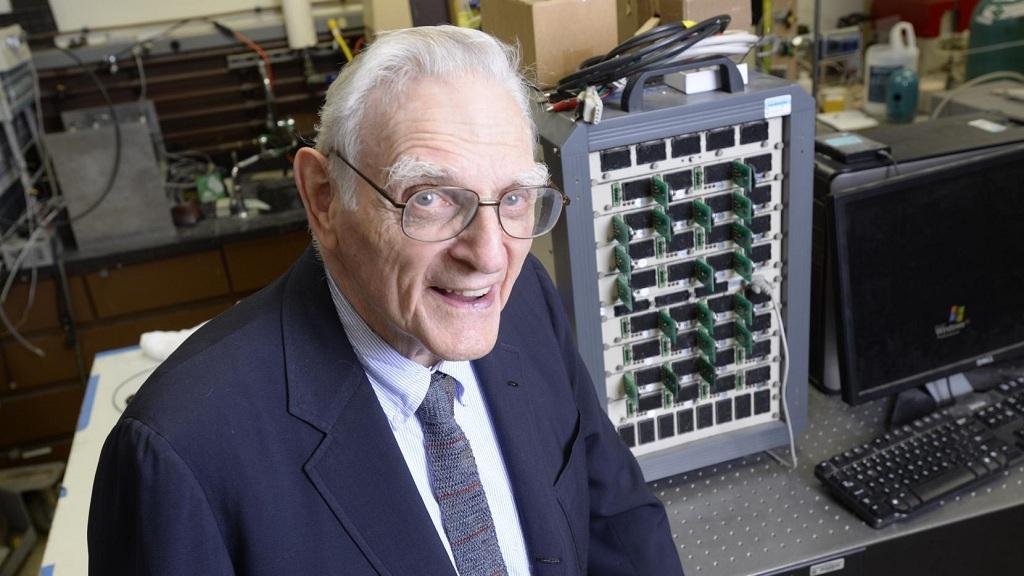 El creador de las baterías de ion de litio desarrolla una alternativa mejor 35
