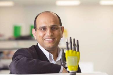 Piel artificial con células solares para alimentar prótesis