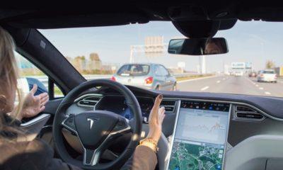 Otro vídeo muestra que el Autopilot todavía tiene que mejorar, ¿o no? 42