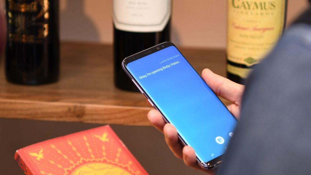 Sí, se puede cambiar Bixby sin perder funcionalidades en los Galaxy S8