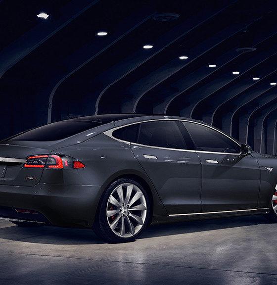 Tesla baja el precio de sus coches Model S de 75 kWh 33