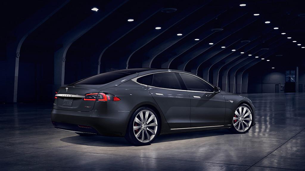 Tesla baja el precio de sus coches Model S de 75 kWh 31