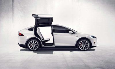 Tesla llama a devolución 53.000 coches por problema en el freno de mano 100