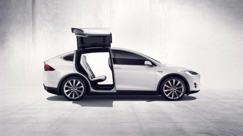Tesla llama a devolución 53.000 coches por problema en el freno de mano