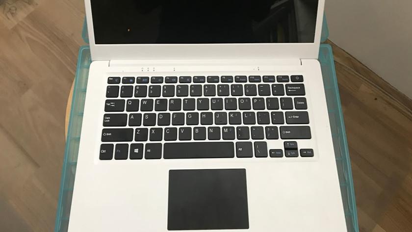 Ya puedes comprar el Pinebook, portátil Linux de 89 dólares