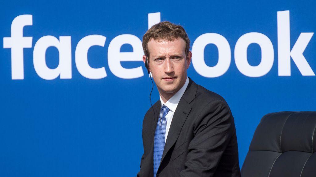 Acusan a Facebook de apuntar a adolescentes vulnerables con su publicidad