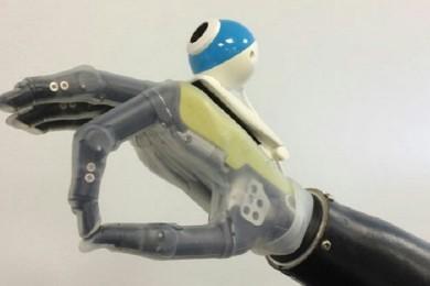 Interesante concepto de mano biónica que puede ver y reconocer objetos